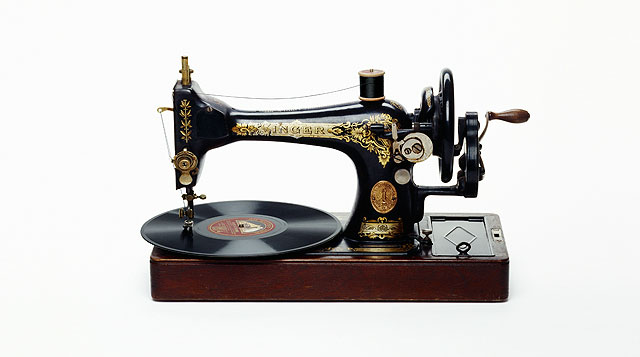 Vinila Sewing Machine